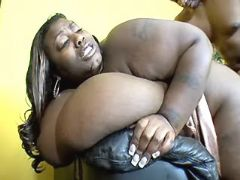 Black guy drills chubby ebony whore